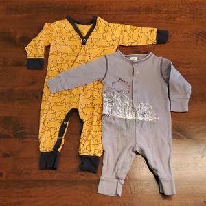 2/$20 🌻 Safari romper pair 6 months